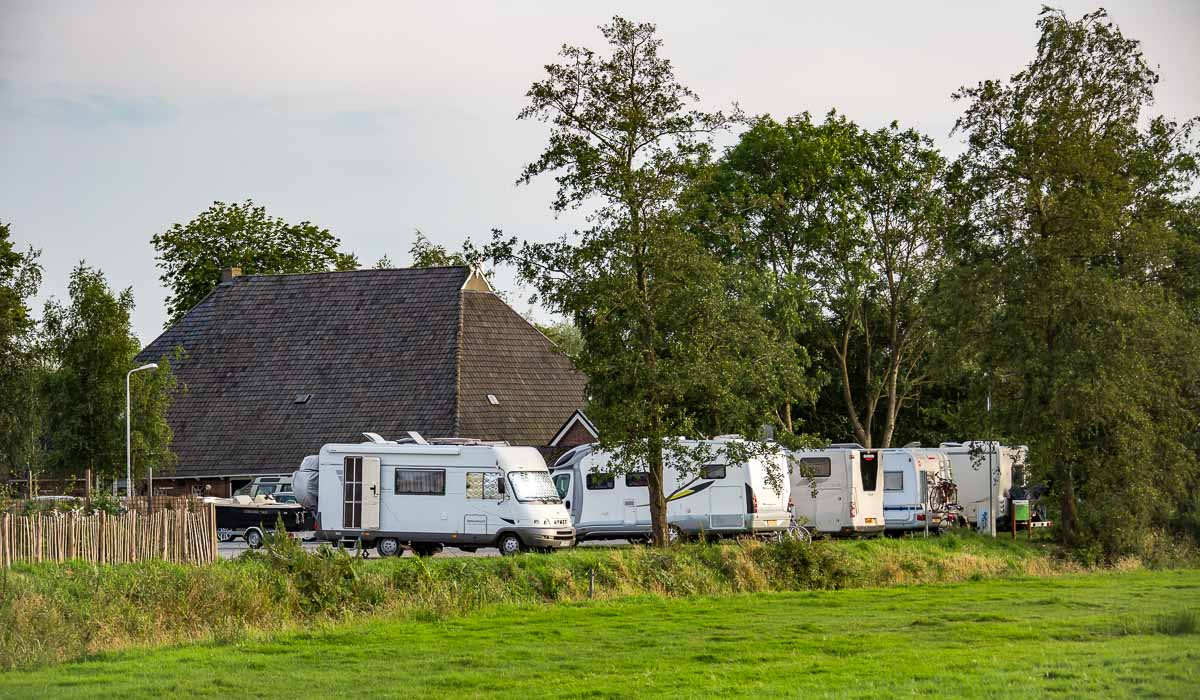 camperplaats friesland earnewald